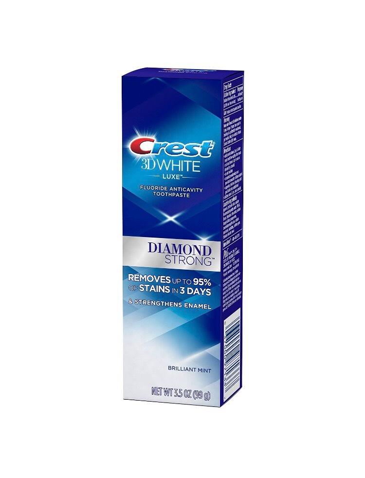 Bělicí zubní pasta Crest 3D White DIAMOND STRONG