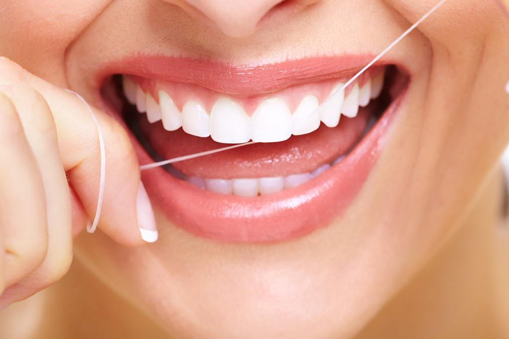 Jak používat zubní nit