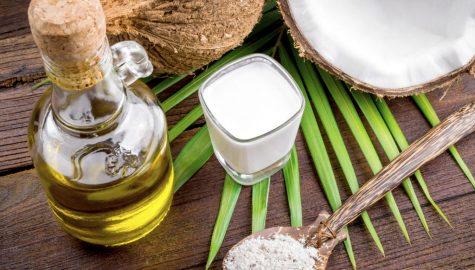 Kokosový olej bělení zubů