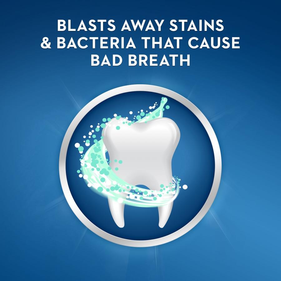 Bělicí zubní pasta proti zápachu z úst Crest BRILLIANCE BLAST