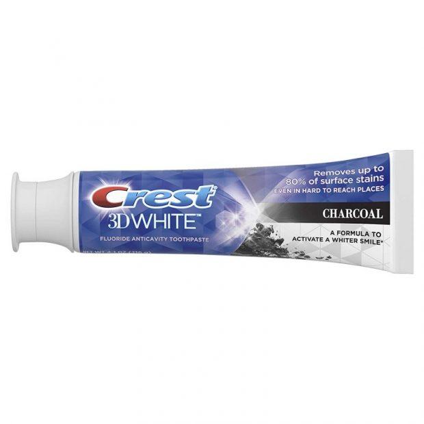 Bělicí zubní pasta Crest 3D White Charcoal